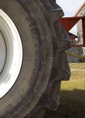 indications du pneu de tracteur