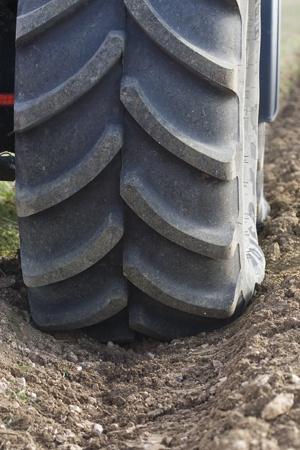 capacité de traction des pneus de tracteur
