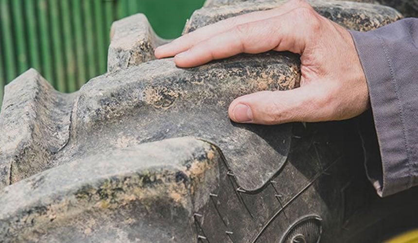 contrôle des pneus en position statique