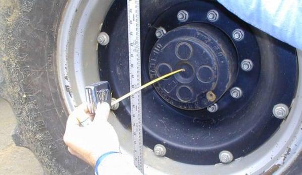 parallélisme pour mesurer le mètre doit être perpendiculaire