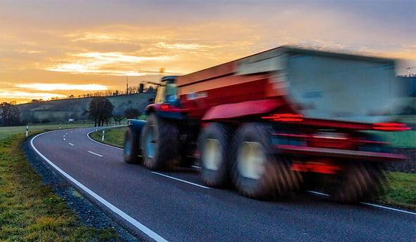 Pourquoi l'indice de vitesse des pneus de tracteurs est-il primordial
