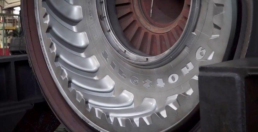 Moule de cuisson pour la vulcanisation des pneus de tracteur