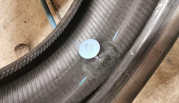 Champignon pour réparation interne du pneu