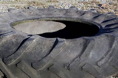 pneu avec gomme usée