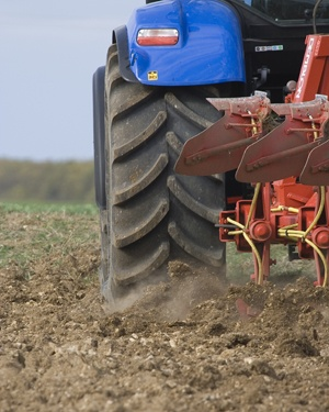 pneus de tracteur pour un bon labour