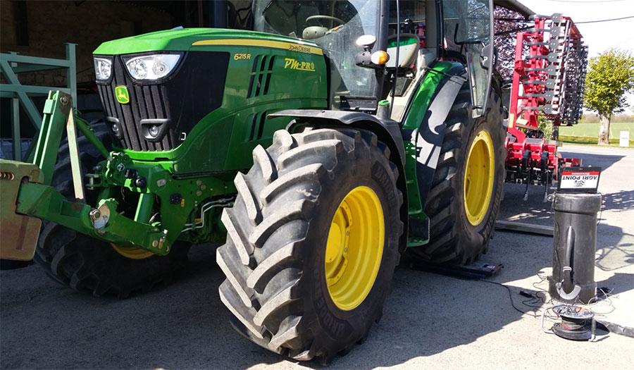 Matériel de pesée des pneus agricoles